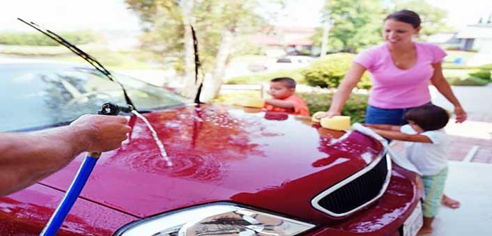 limpiar el coche por fuera