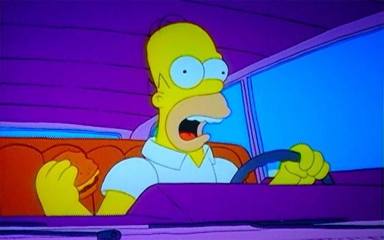 Homer-Simpson-en-coche