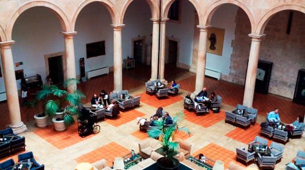 Claustro del Palacio Ducal. Hoy Parador Nacional.