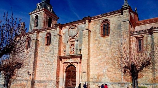 Iglesia Colegial de San Pedro.