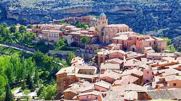 alquiler de coches con pepecar pueblos medievales albarracin