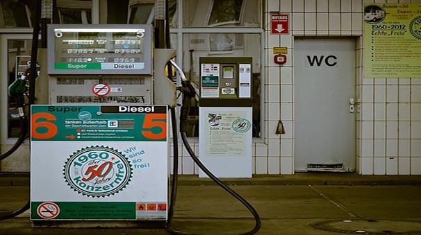 alquiler de coches con pepecar - gasolinera diesel