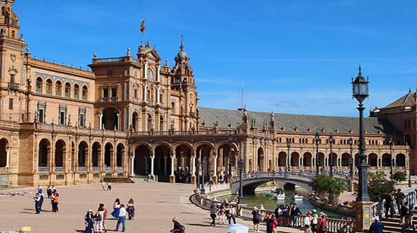 España cuenta con decenas de lugares mágicos y dignos de visitar, ¿quieres descubrirlos?