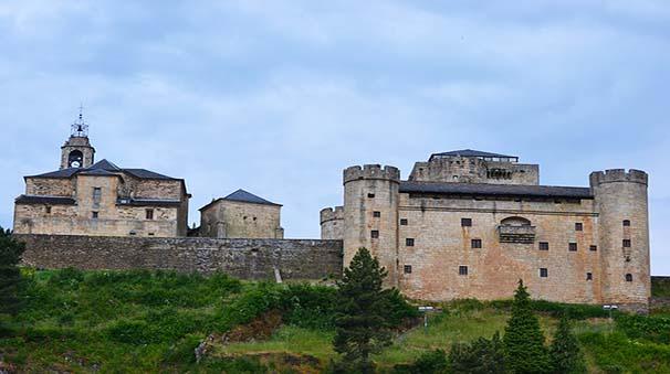 alquiler de coches con pepecar - Zamora - castillo puebla de Sanabria