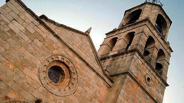 alquiler de coches con pepecar - zamora - iglesia puebla de Sanabria
