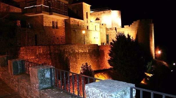 alquiler de coches con pepecar - zamora - muralla puebla de Sanabria