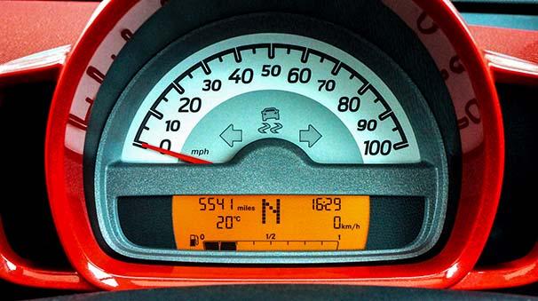alquiler de coches con pepecar - velocimetro